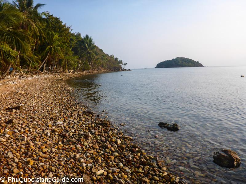 bai-nhum-beach-nam-du-island