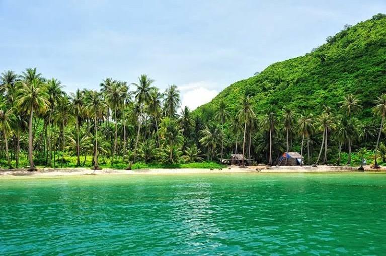 cay-men-beach-nam-du-islands-kieng-giang-vietnam